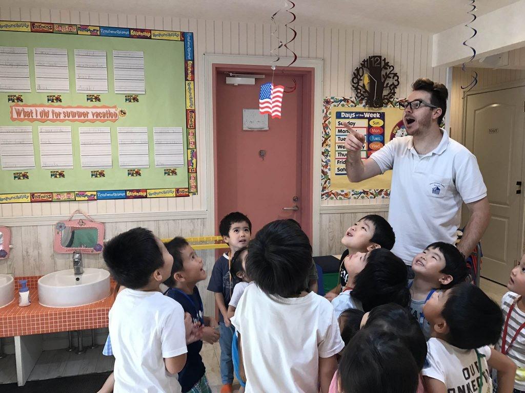 府中|英会話(幼稚園生)|土曜日の習い事・サタデーモーニングキンダー