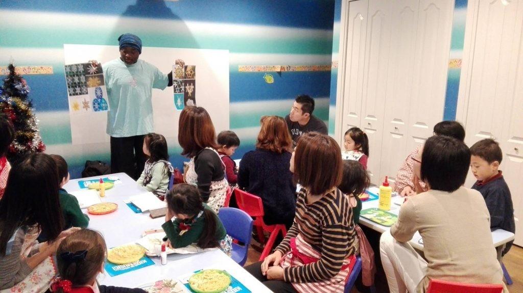国分寺|インターナショナル・キンダーガーデン|親子でクリスマスクラフト