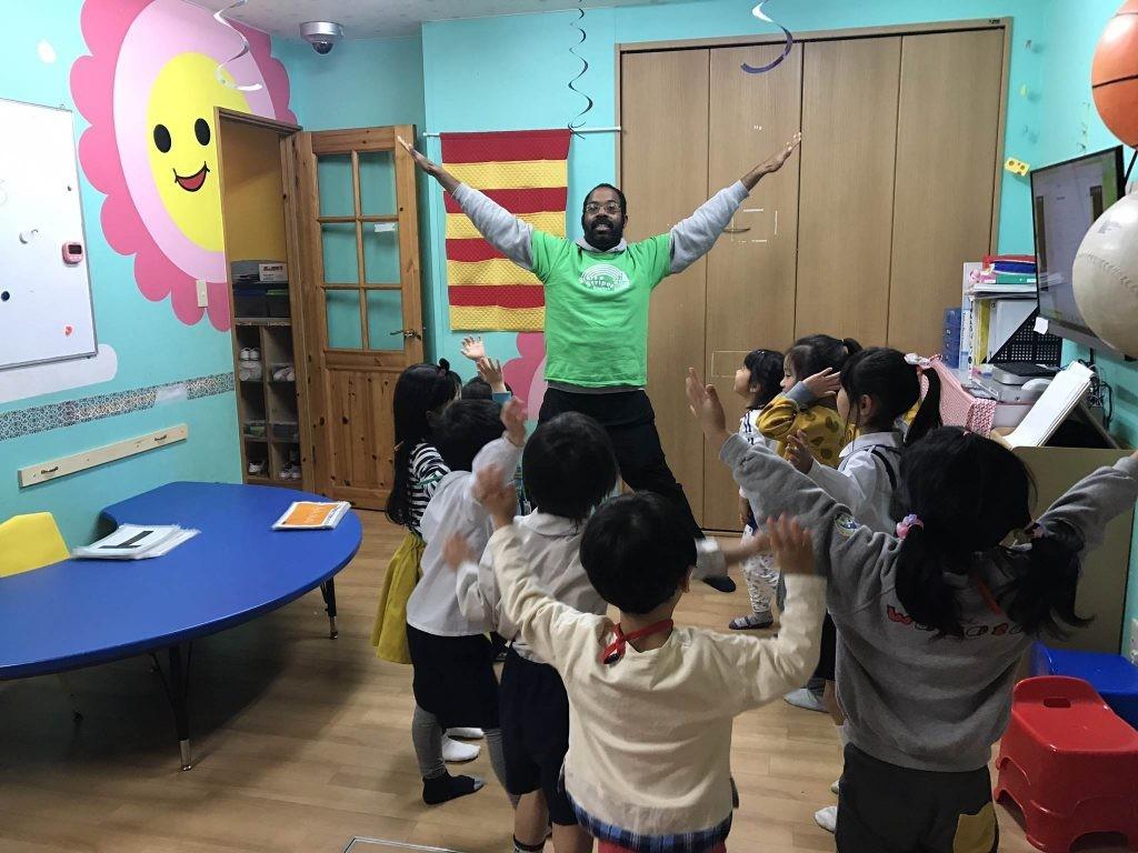 府中|英会話クラス・午後の幼稚園クラス|3月のテーマ!