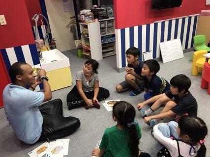 府中Station校|英会話・ショートコース(1時間)・小学生クラスの様子