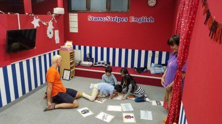 府中|英会話・1時間ショートコース・幼稚園生・小学生|10月からのNew Teacherとクラスの様子