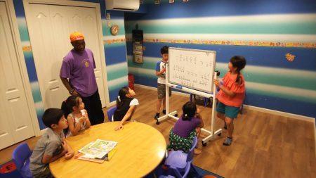 国分寺|英会話(2時間クラス・帰国子女・上級クラス)|Stars&STripesクラス7月の様子